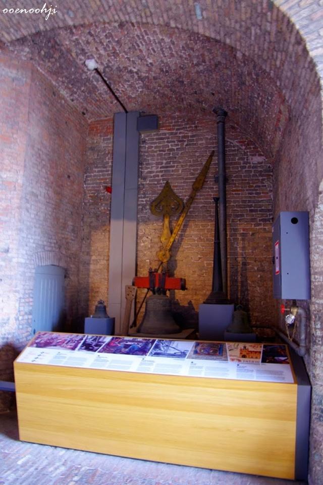 belgium bruges markt tower