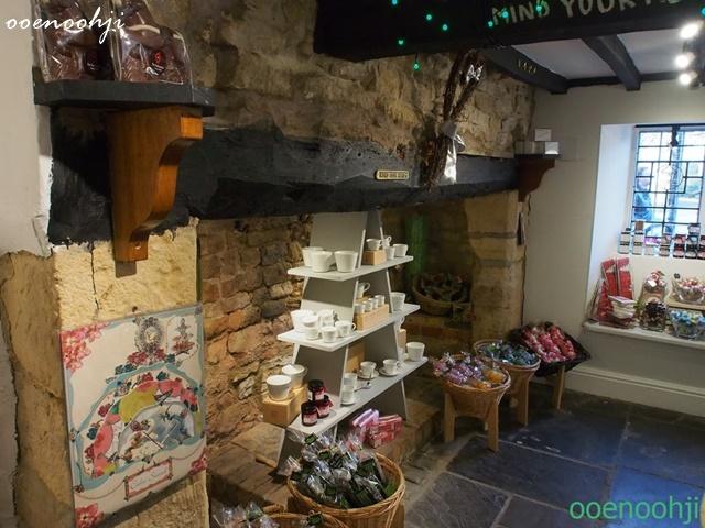 england cotswolds shop afternoon tea