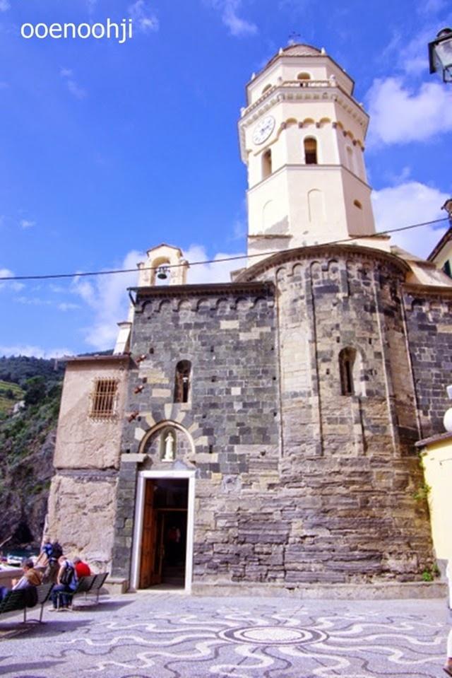 italy cinque terre vernazza church