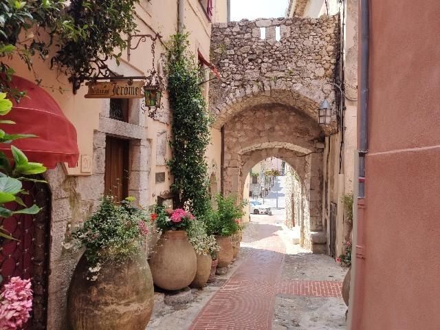 南仏の村 La Turbie(ラ・チュルビー)の街並み