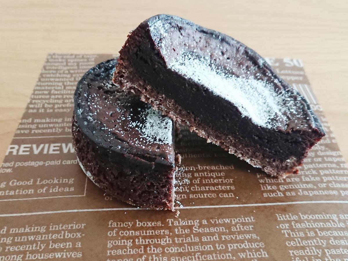 チョコレートケーキ 断面