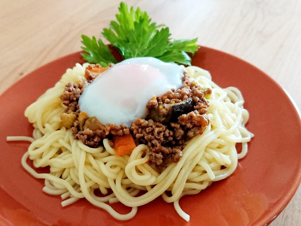 甘辛ひき肉と中華麺