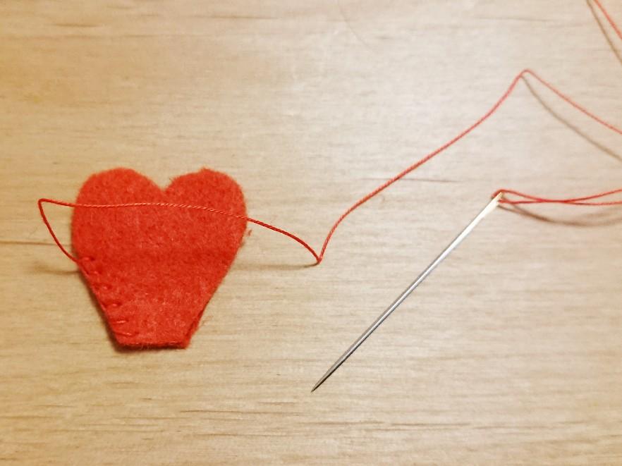 しっぽを縫う