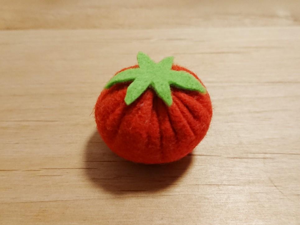 トマトのへた作り