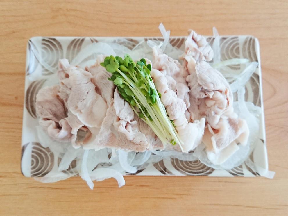 新たまと豚肉の冷しゃぶ