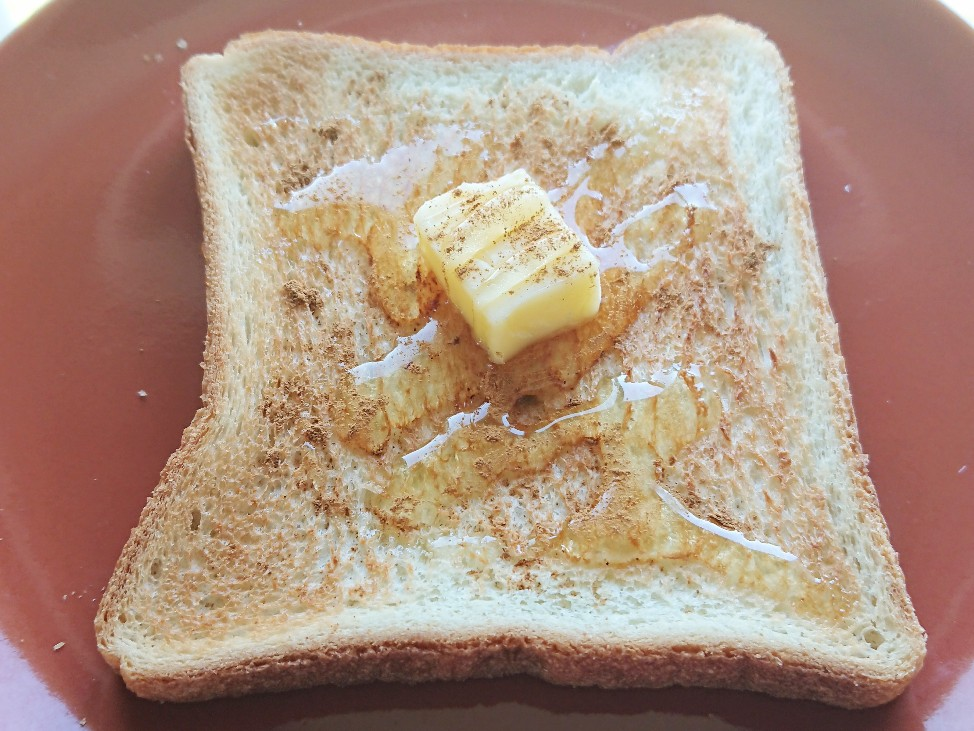 明るいはちみつバタートーストの写真