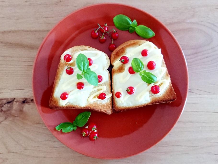 マイクロトマトトースト