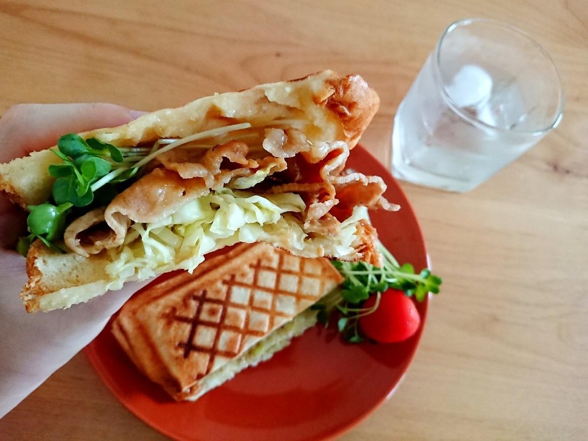 豚肉の生姜焼きトースト