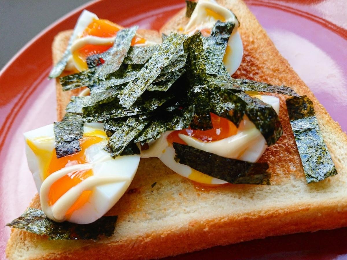 味付け海苔と半熟卵のトースト