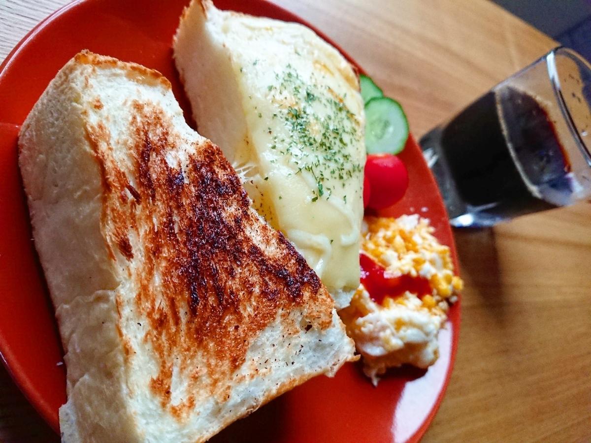 チーズトースト 野菜 コーヒー