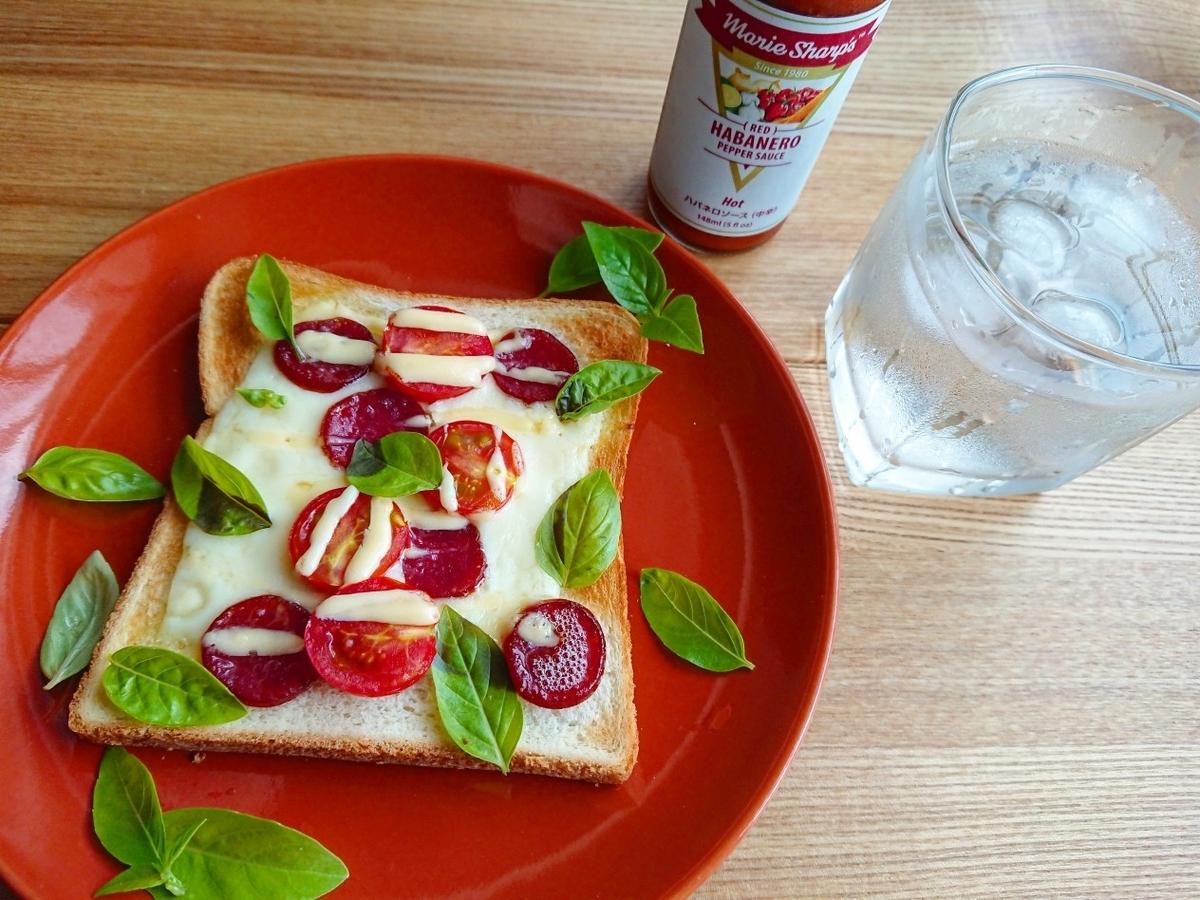 ピザトースト 水 ハバネロソース