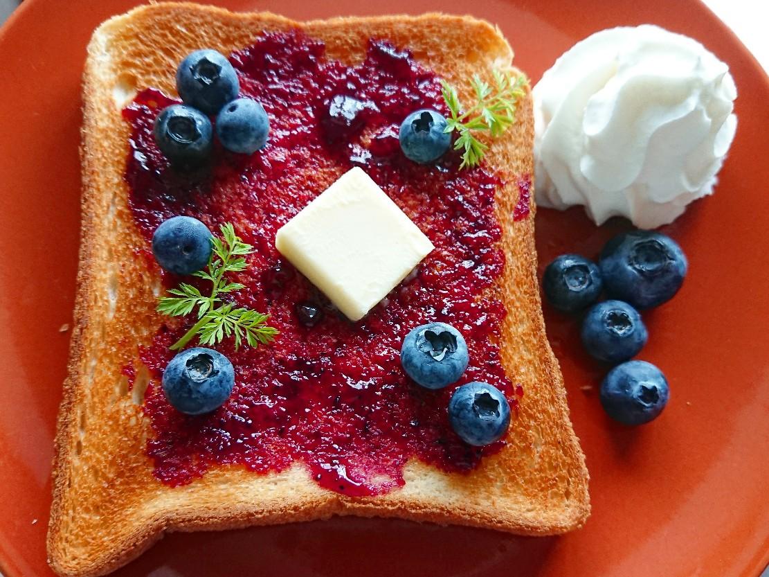 ブルーベリーバタートースト