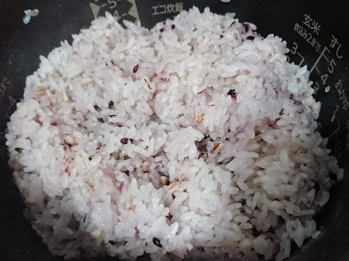 炊飯器で炊いた雑穀米