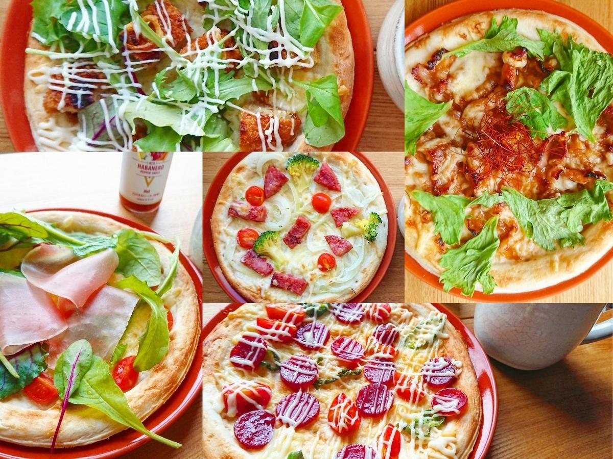 色々なトッピングのピザ