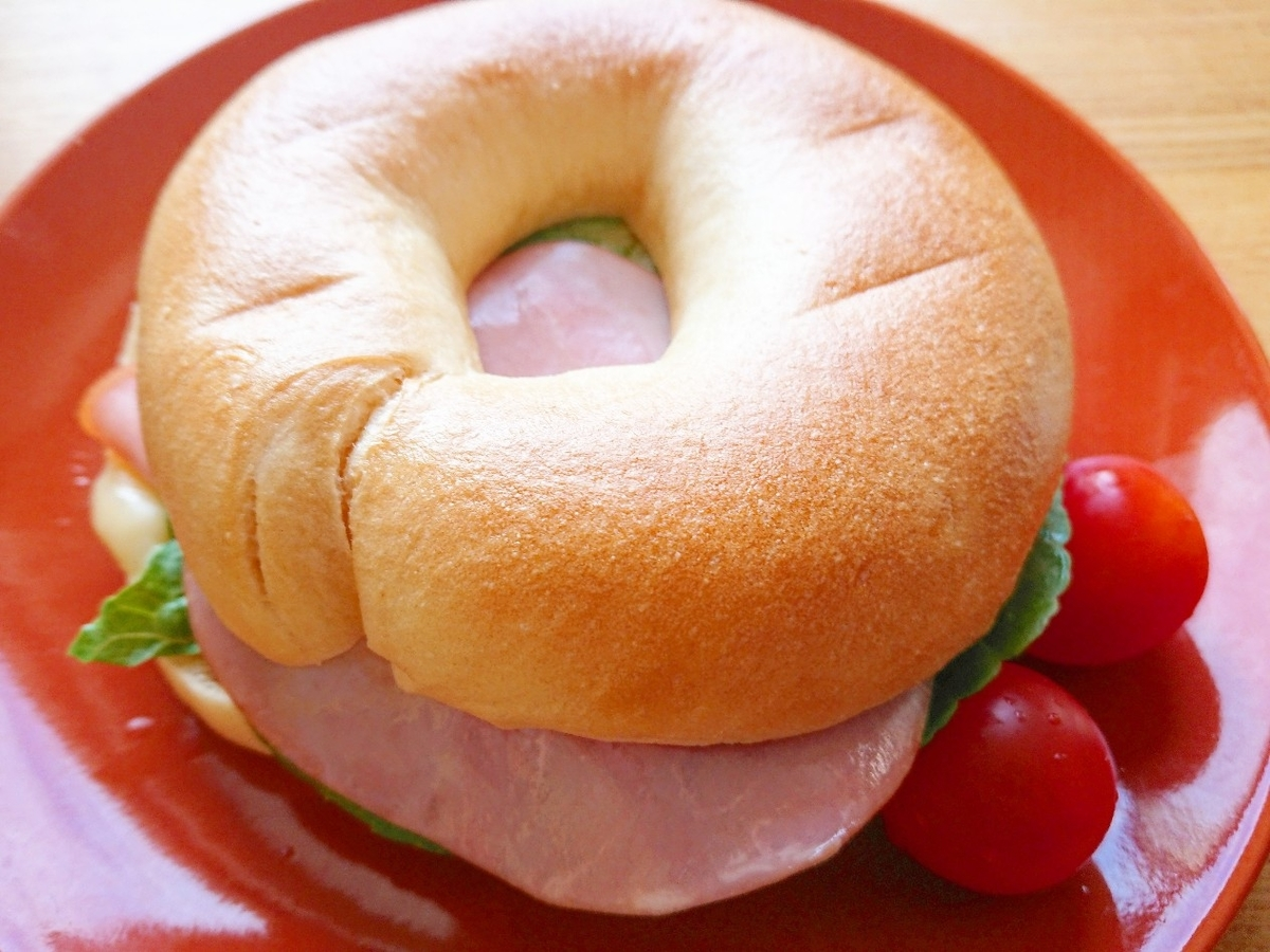 ハムチーズベーグルサンドイッチ