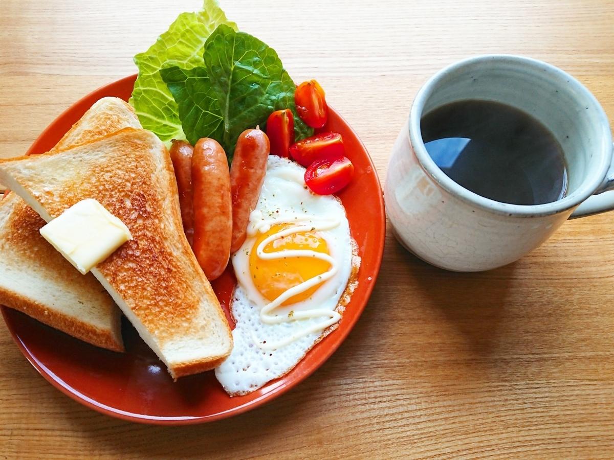 バタートースト ウインナー 目玉焼き 珈琲