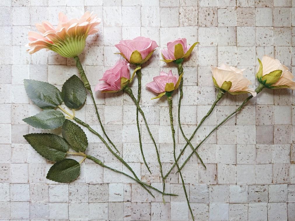 フローラルテープを巻いた造花