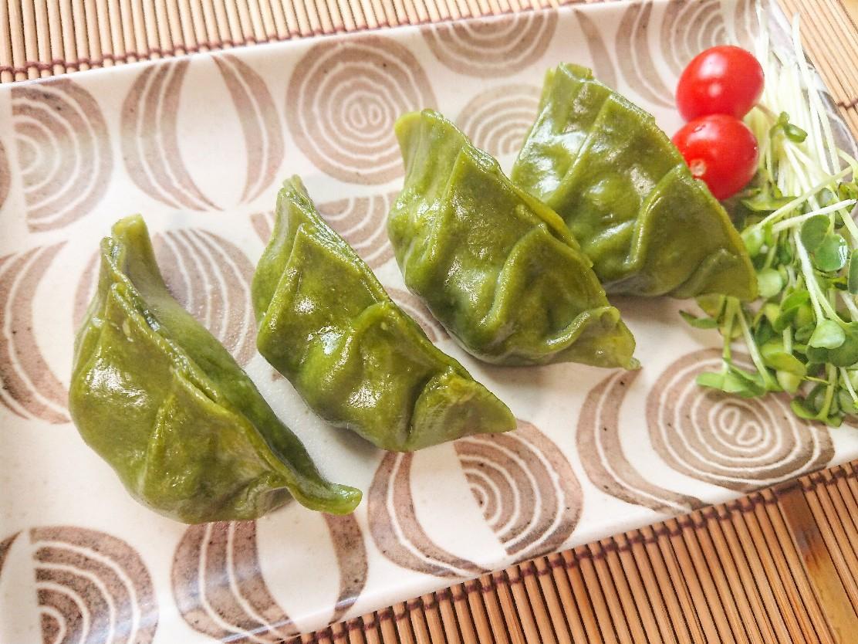 緑色の焼き餃子
