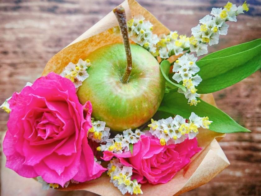 りんごの花束