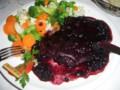 熊のステーキ ブルーベリーソース