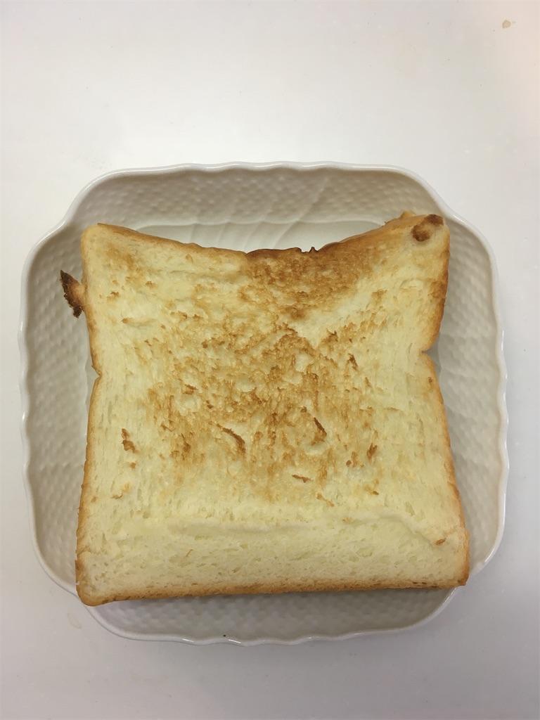 焦げ目が美味しそうな高級食パン