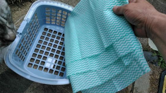 カゴとレーヨン布巾