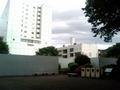[散歩][目白周辺]ピラ校消失 (跡地)。 白い塀で囲まれた中にありました。