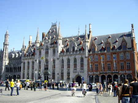 ブルージュの中心、マルクト広場。