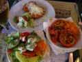 [ベルギー]ブルージュで昼食。サラダ、チーズコロッケ、ホットベジタブル(トマ