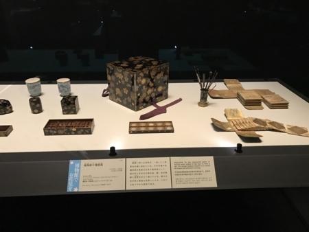 2017/04/01、東博の花見文物。「桜蒔絵十種香箱」