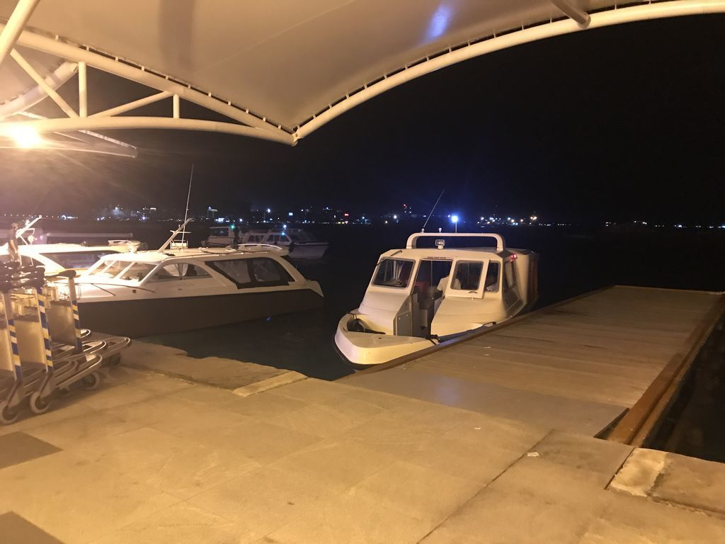 マレ空港ボート乗り場