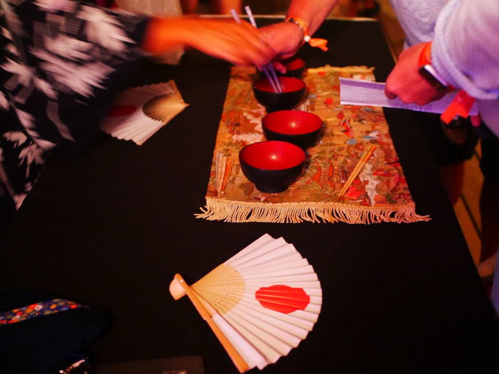 お茶碗とお箸