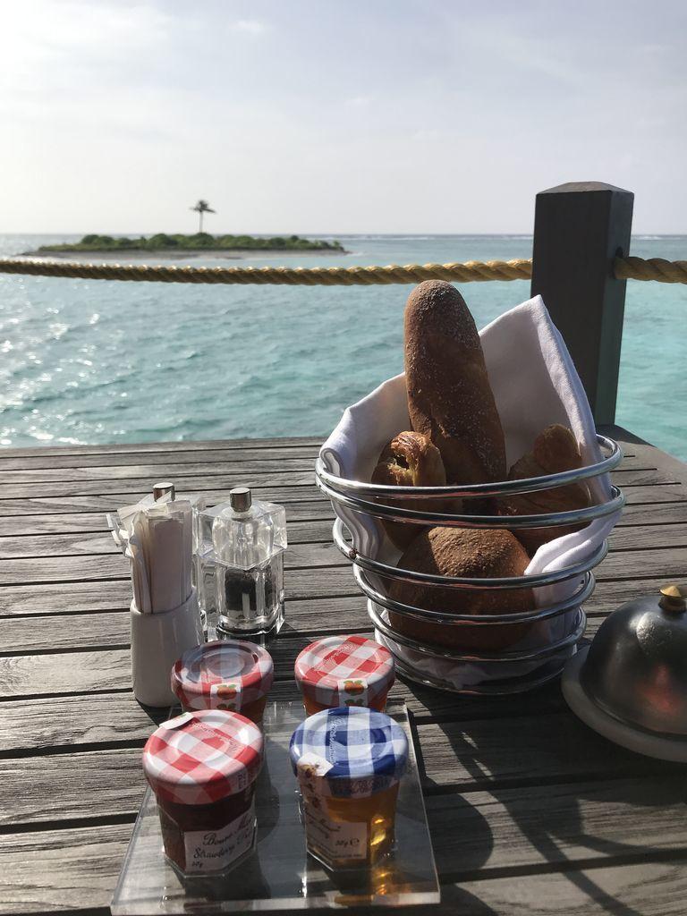 レストラン「Motu」での朝食