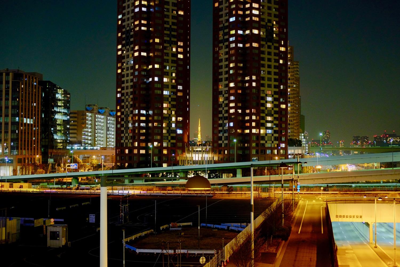 夜の夢の大橋から見える東京タワー