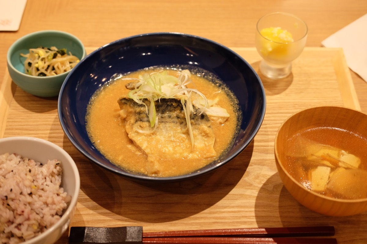 ふっくら仕上げた米麹のさば味噌煮