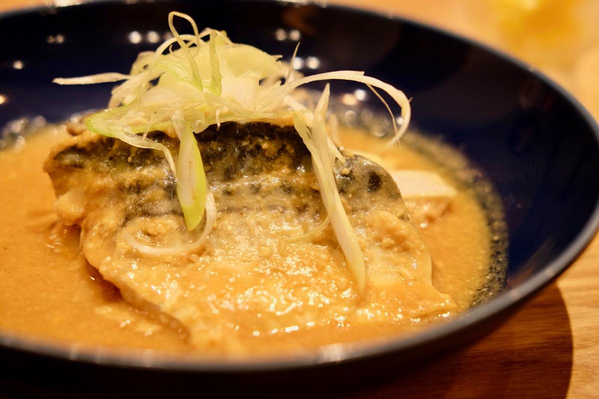 池袋『かこみ食堂』のさば味噌煮
