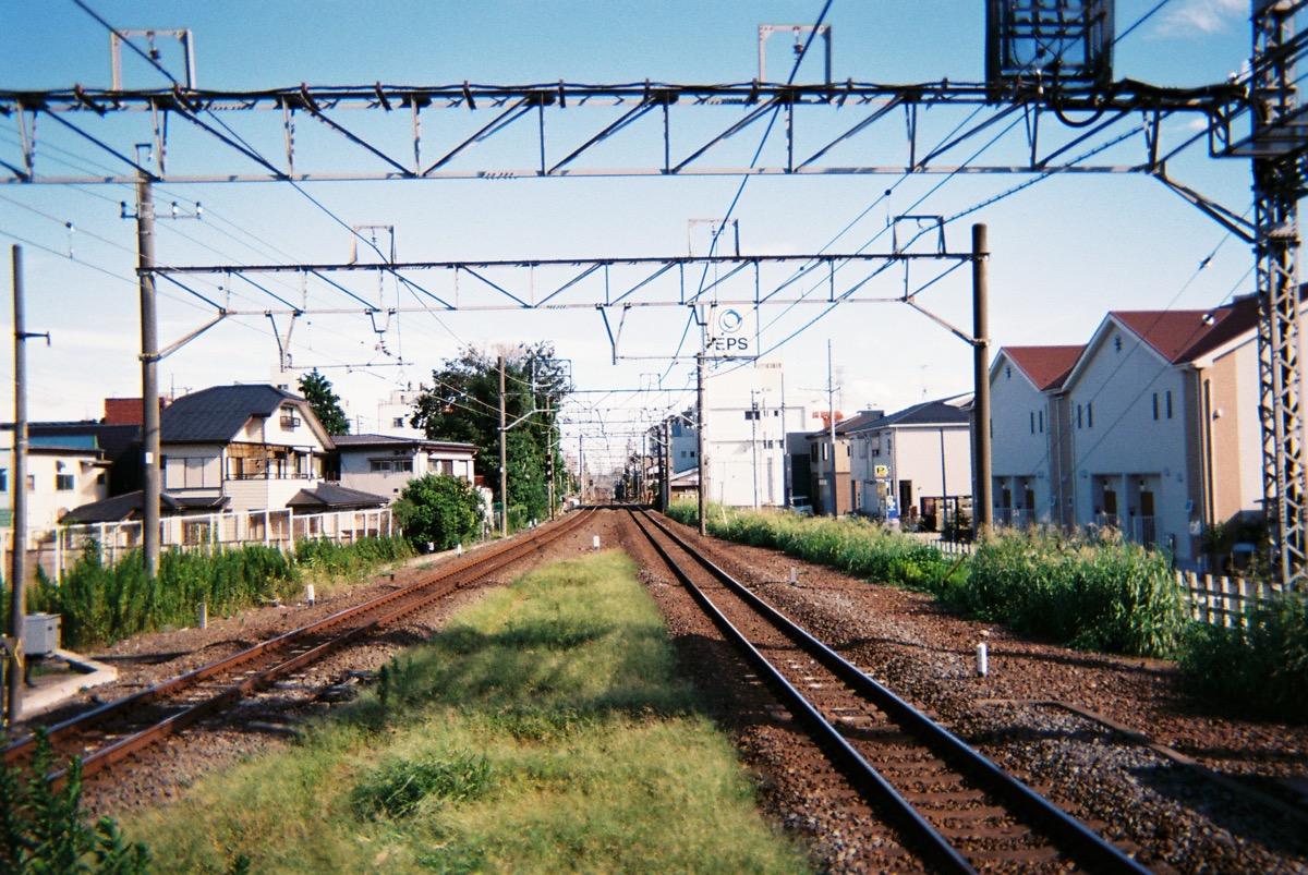線路(写ルンですとミラーレス一眼を比較)