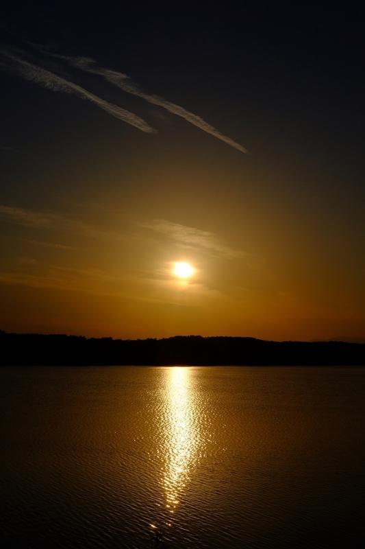 夕暮れの多摩湖1