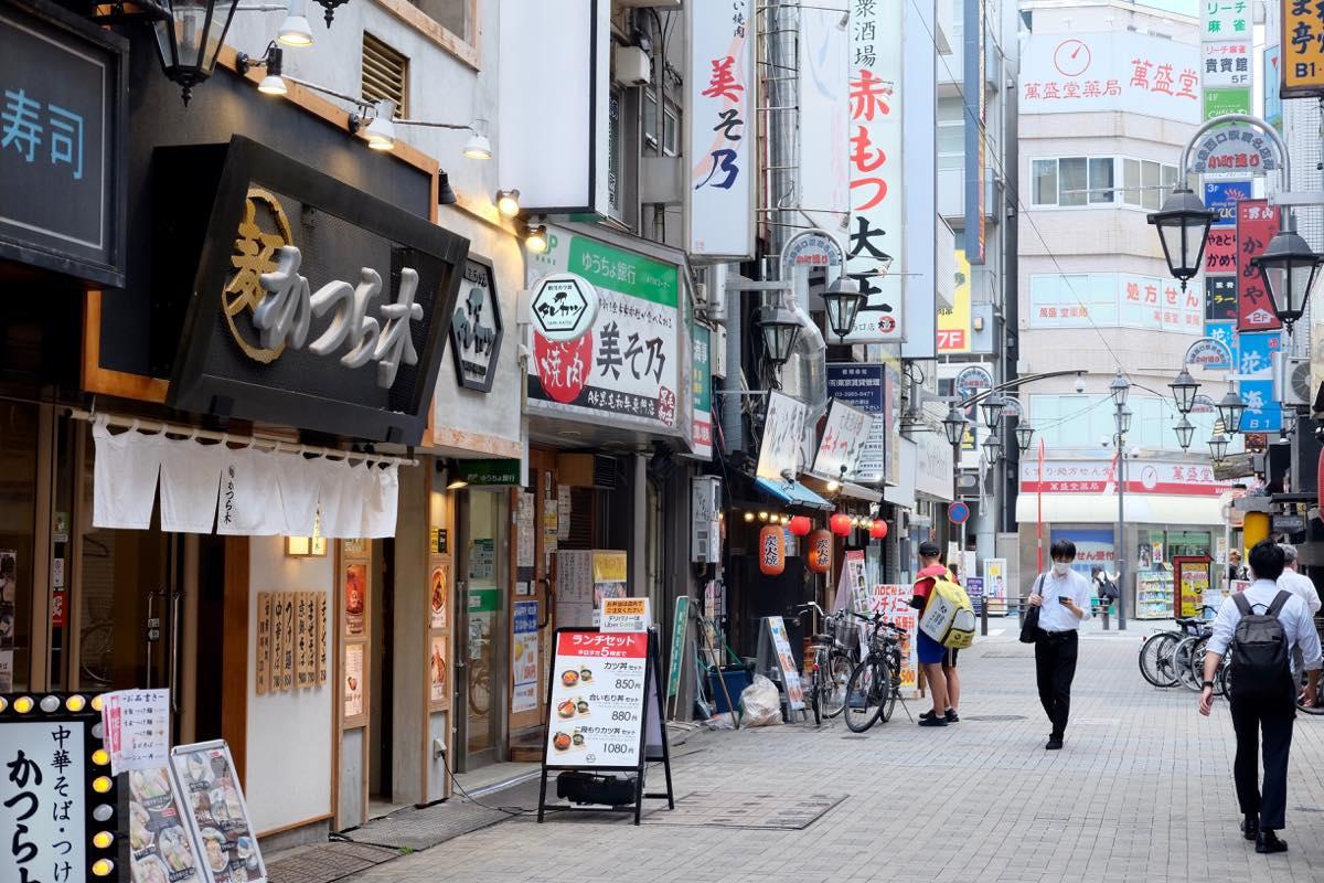 『新潟カツ丼 タレカツ 池袋西口店』店舗前
