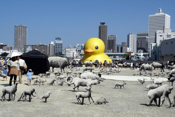 ラバー・ダック(2013年10月、大阪市西区、中之島ゲート地区)