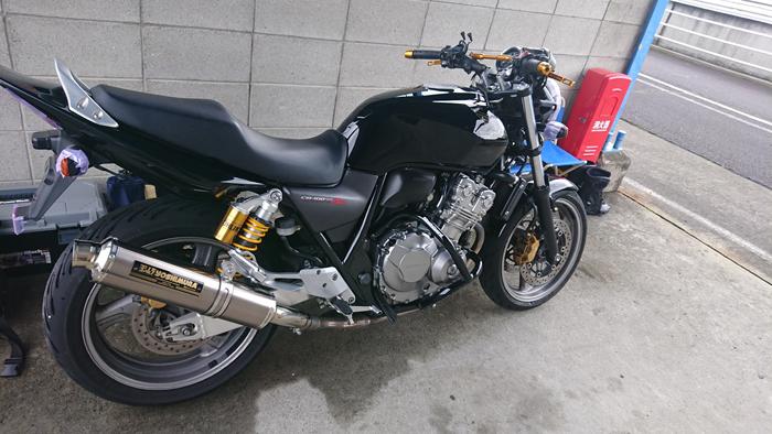 SPA直入 ピット CB400SF