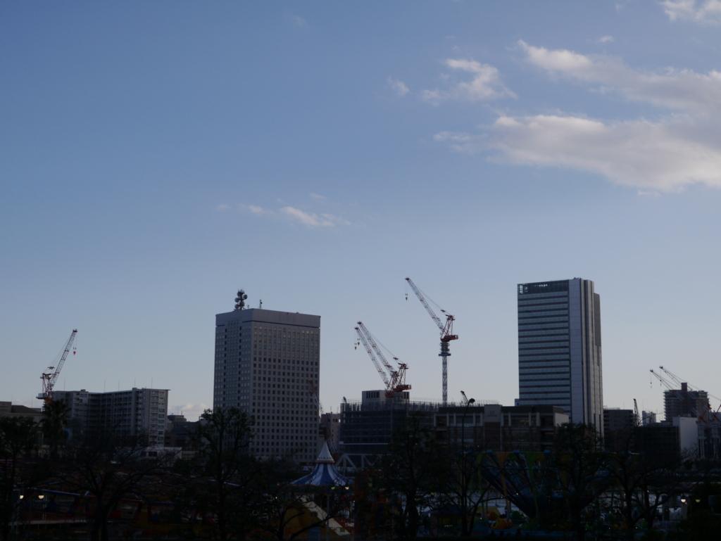 クイーンズスクエア横浜から関内方面を
