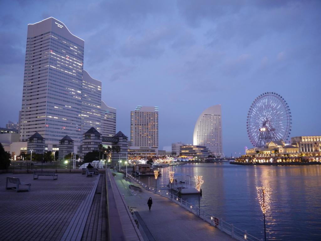 クイーンズスクエア横浜とインターコンチネンタルホテル横浜と観覧車