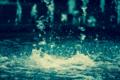 [噴水][水飛沫][水滴]降ってくる