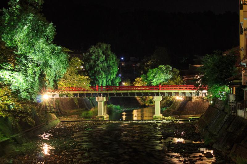 高山市の中橋の長時間露光