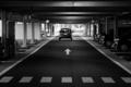 [スナップ][駐車場][モノクロ]行ってらっしゃい