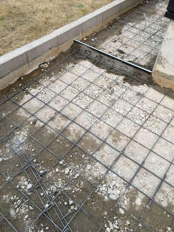 土間コンクリート 施工 砕石敷き ワイヤーメッシュ敷き