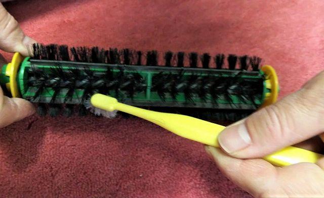 ルンバのブラシ掃除方法