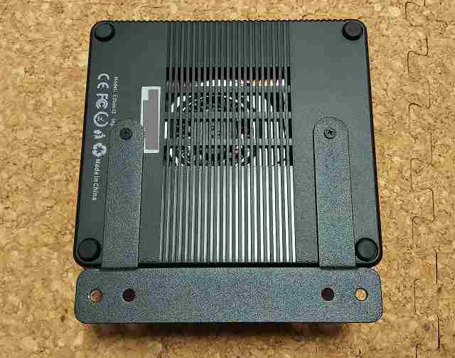 小型パソコン設置の様子1