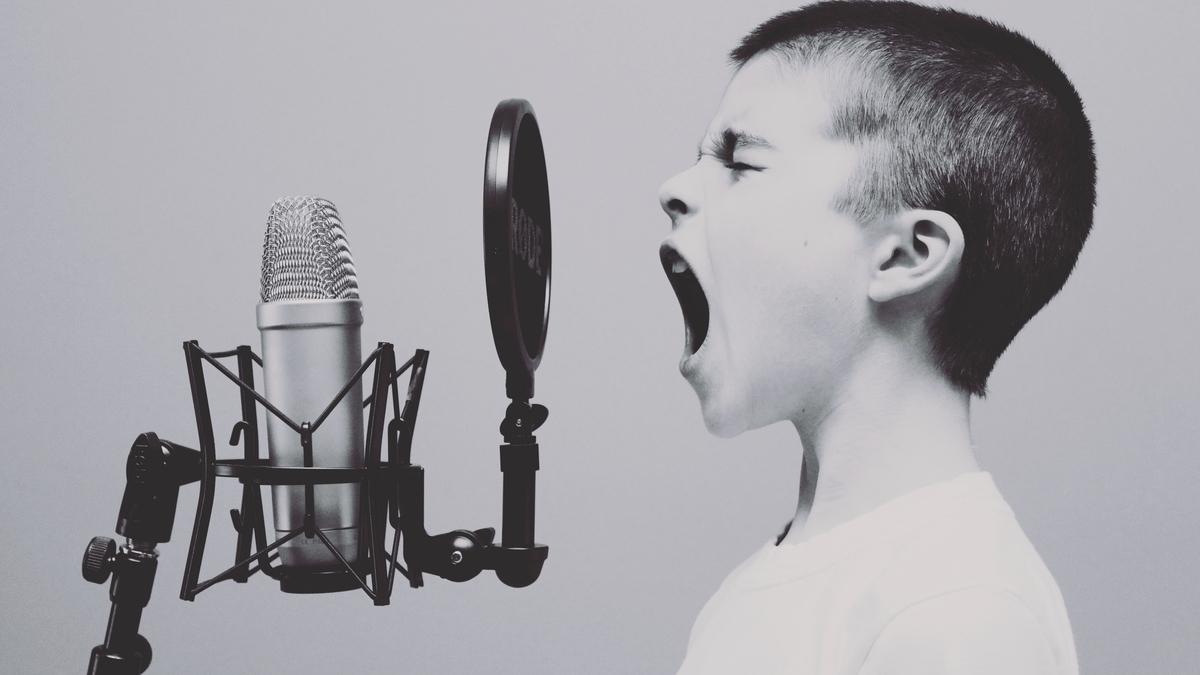 カラオケで歌いやすいロックバラード
